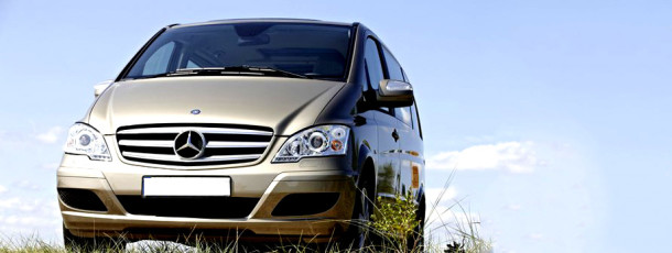 Mercedes-Benz-Viano_2011_photo_01